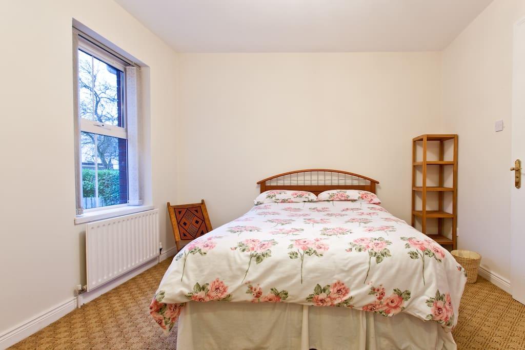 Modern ensuite double room