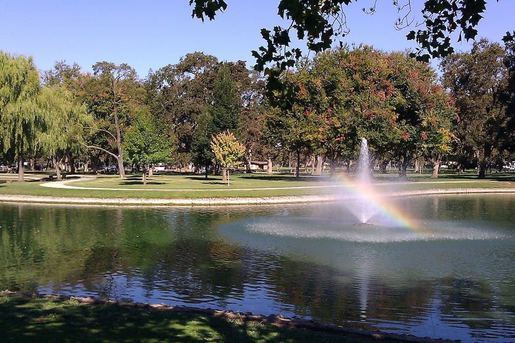 Elk Grove Park with huge oak trees less than a mile from our home: jogging trail, swimming pool, picnic tables...