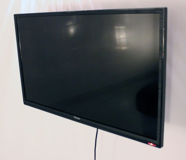 "NEW 29"" Flatscreen TV with Many Satellite Channels and DVD/CD Player in Downstairs Bedroom"