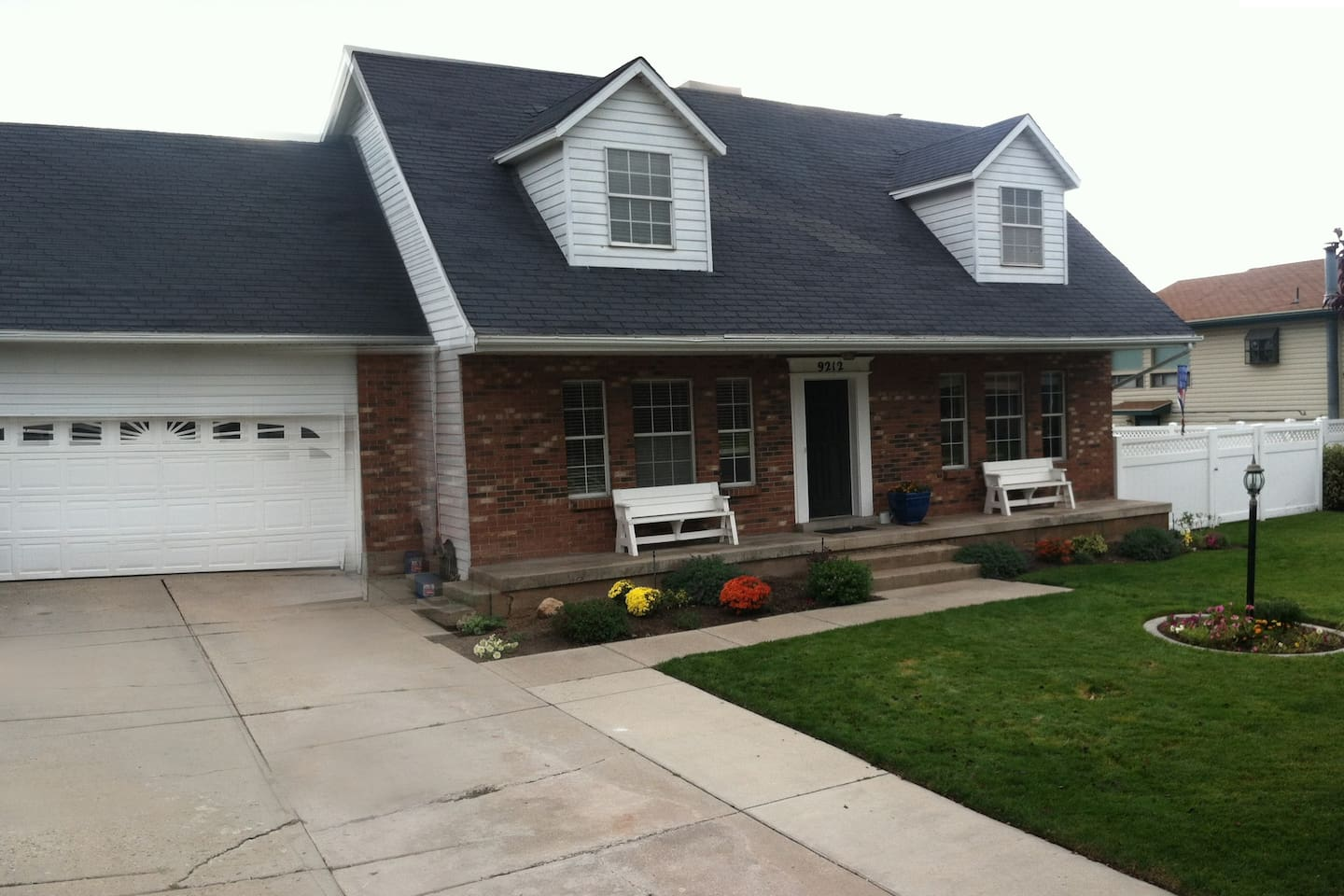 4 Bedroom Home - Great location
