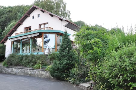 Villa Thalassa spacieux B&Bdecharme - Bed & Breakfast