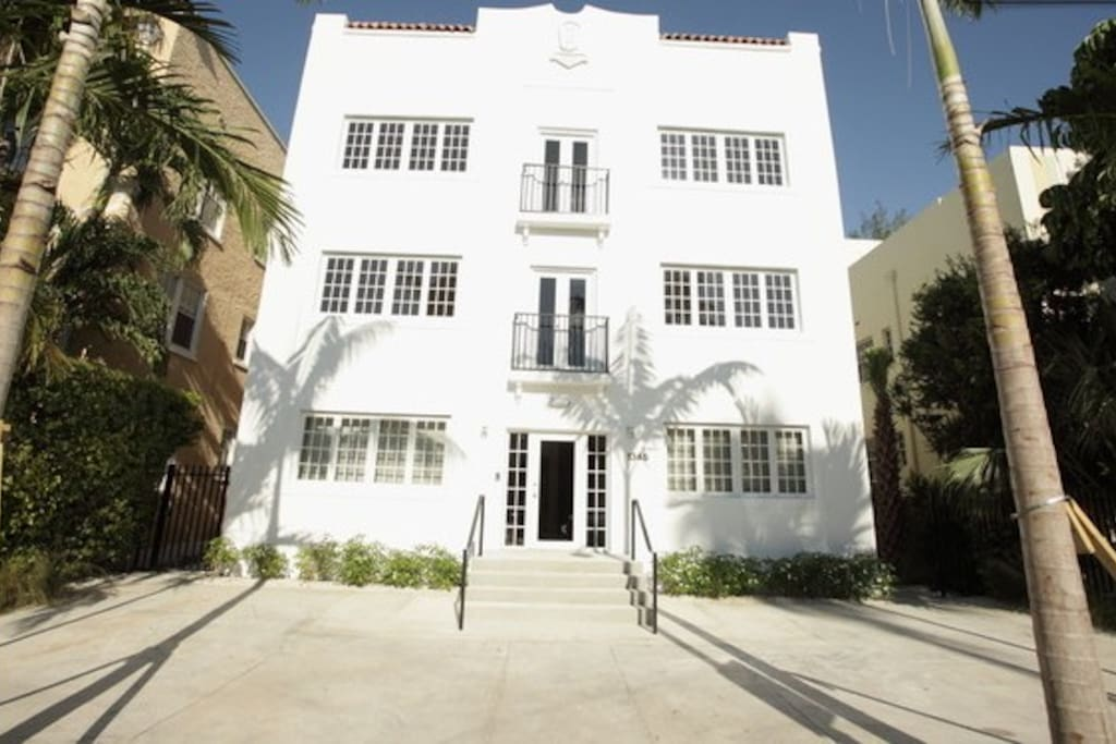 New Art Deco Executive Suite.