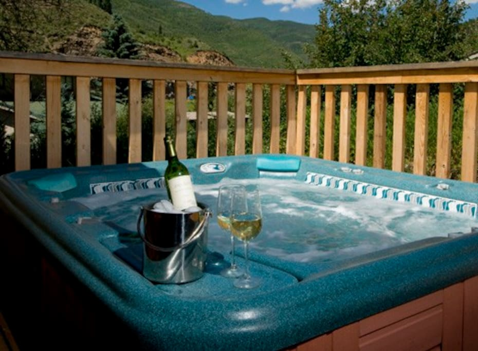 6 person Hot Springs Grandee tub!!