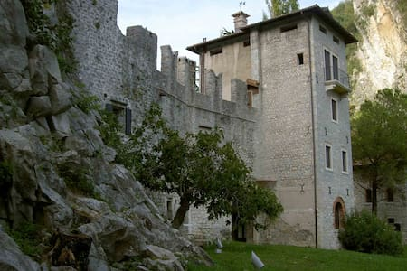 Enjoy life in a medieval castle  - Vittorio Veneto - Castle