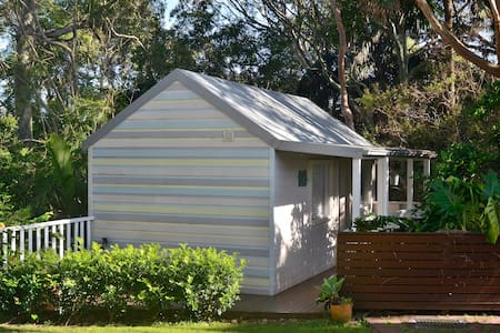 Tranquil Avalon Beach Cottage - Avalon - Cabin