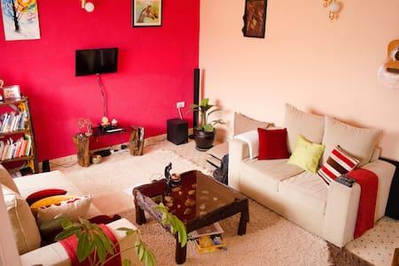 Cosy & vibrant apartment in Nakuru - Appartement