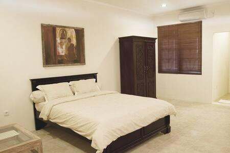 Kuta Bali studio apartment for Rent