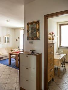 Appartamento luminoso e centrale - Villa Cortese - Apartamento