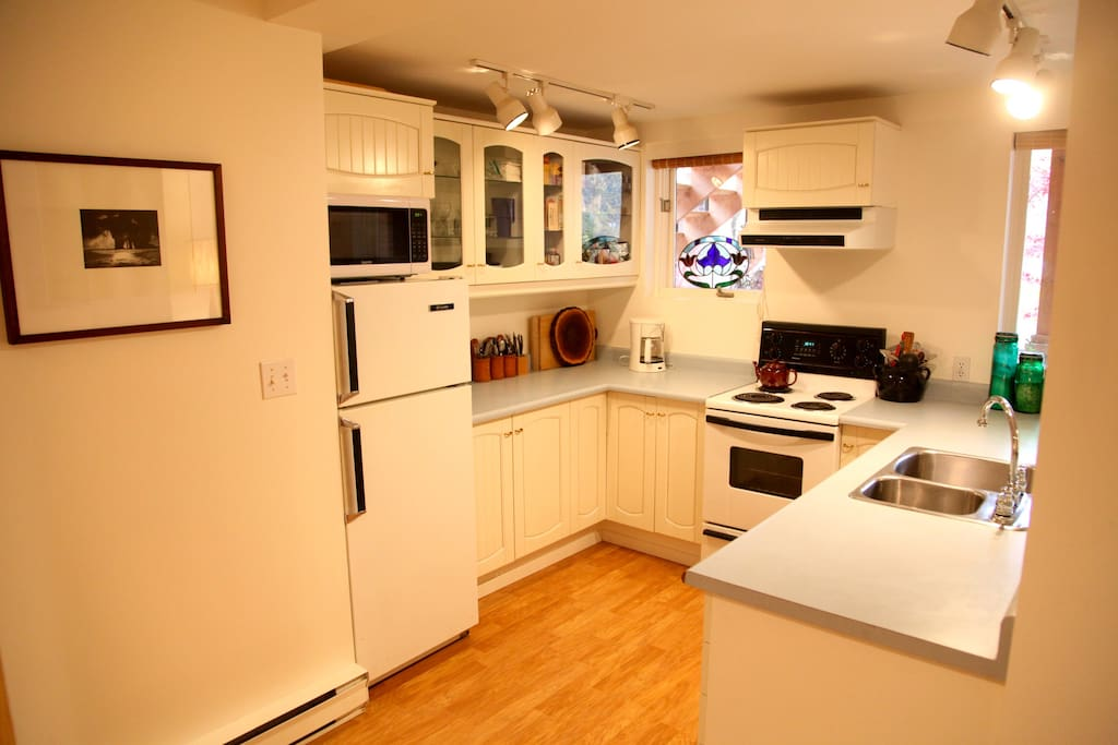 The suite has a full kitchen.