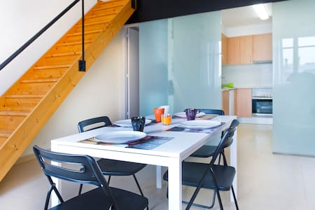 Cool Loft-Duplex 4.3 near beach&BCN - Badalona