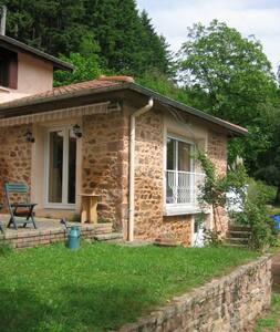 Charmante maison à la campagne - House