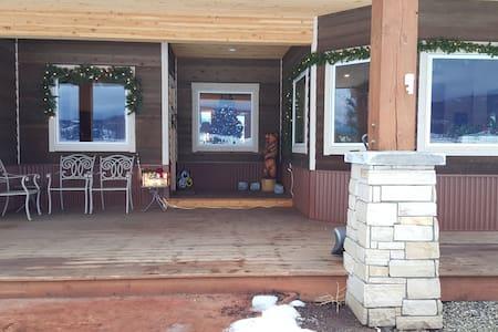 New Ranch house near ski resort - New Meadows - Stuga