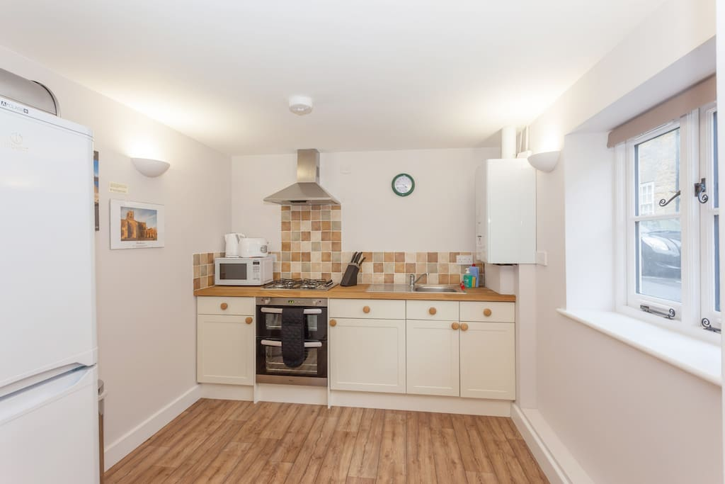 The kitchen in Rose Cottage is equipped with fridge/freezer, oven, grill, hob, toaster, kettle, cutlery, crockery and cooking equipment.