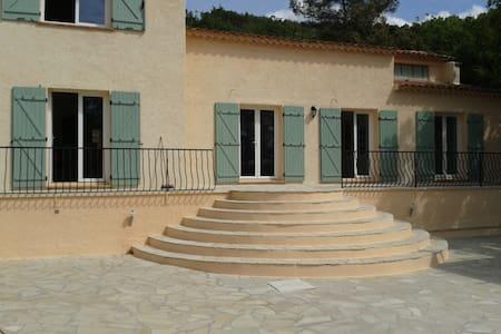 villa 200m² située fin chemin privé - La Motte - Villa