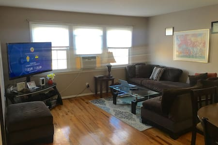 Beautiful Townhouse Apt near NYC - Jersey City - Αρχοντικό