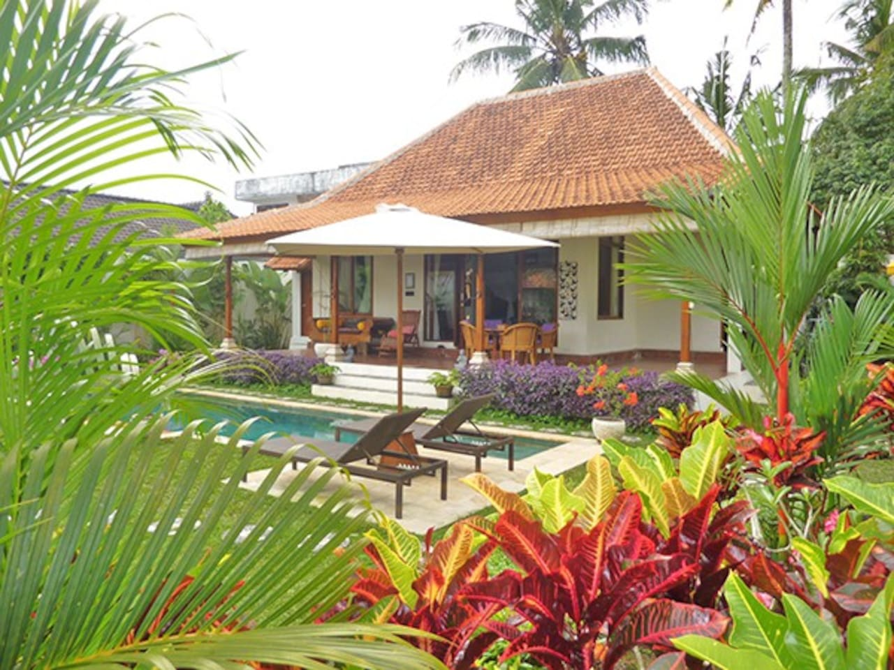 Villa Damai has it all - Gardens, pool, spacious living and a view.