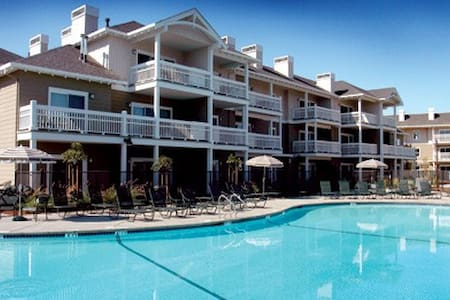 Windsor, CA Resort 2 Bdrm Condos - Villa