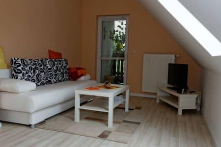 Neue Ferienwohnung in Berlin-Pankow - Apartemen
