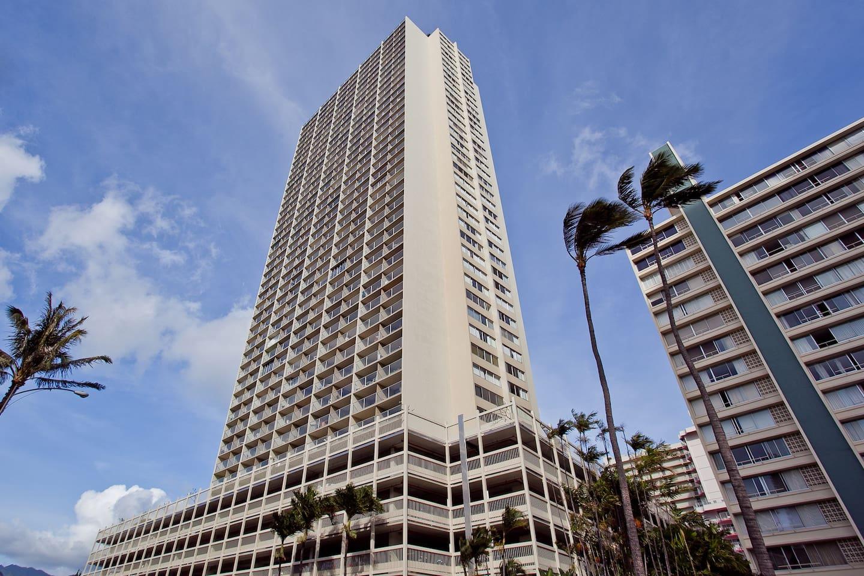 1Bd - Waikiki Island Colony