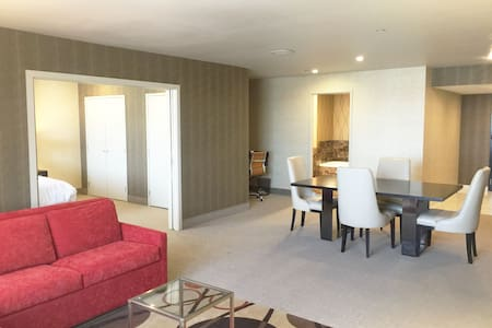 1 Bedroom Condo/Hotel Suite in Grand Sierra Resort - Lyxvåning