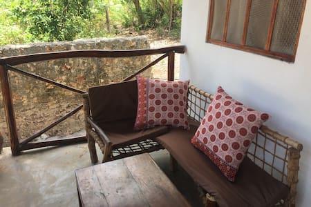 Lazy Beach House -Zanzibar- (room 1) - Bed & Breakfast