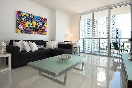 Beautiful and Modern Condo at W Miami! - Miami - Apartment