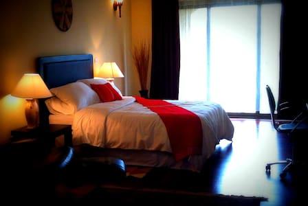 Jazly Bed&Breakfast, Layli's Suite - Wikt i opierunek