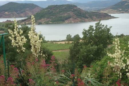 Gite panoramique sur le Salagou