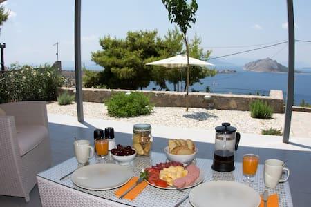 Spiti Aeginitissa - Aegina Island - Haus