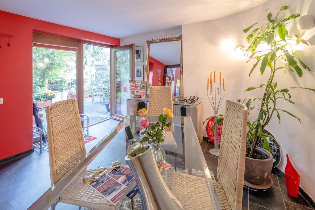 Esszimmer für 4 Personen inkl. offener Küche