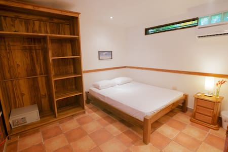 Newly Renovated Room Near Beach - Nosara - Apartment