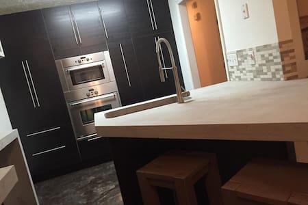 Ultra Modern Flat - Condominium