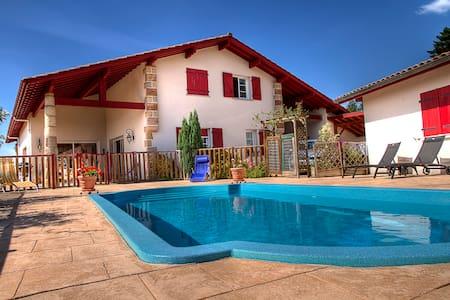Chambre d'hôte proche cambo piscine - Cambo-les-Bains