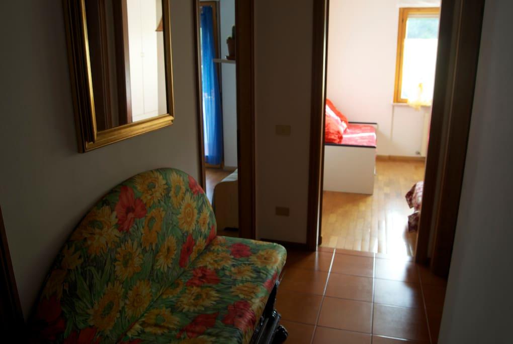 Corridoio con vista sulle due camere