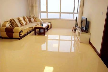 海滨之约三居室公寓 - Huludao