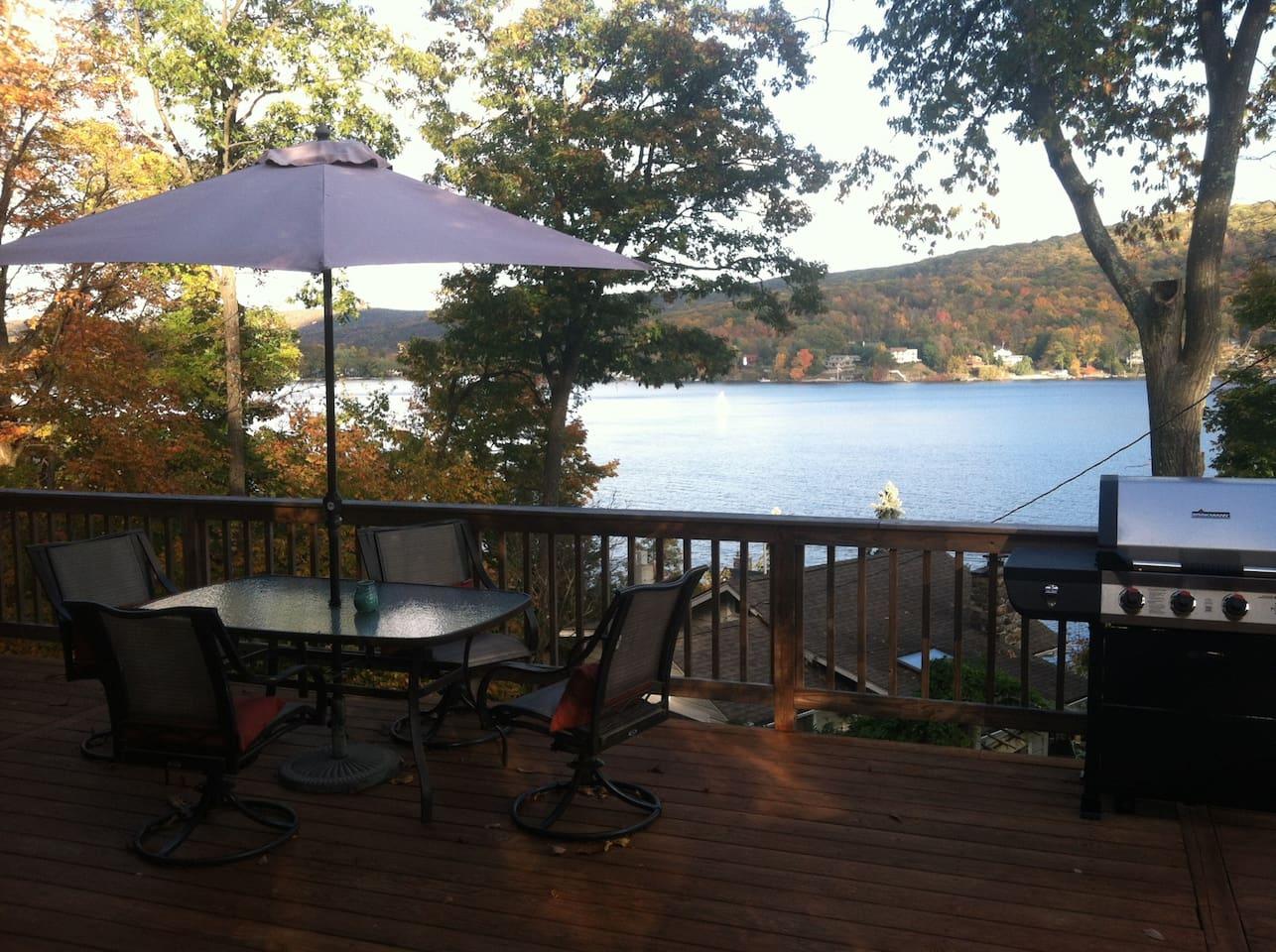 Fall Getaway Lake House 1.5hr NYC!
