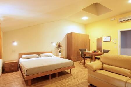 accoglienti camere, in centro   - Bed & Breakfast