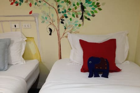 Family 4 beds with Breakfast - Bangkok - Casa