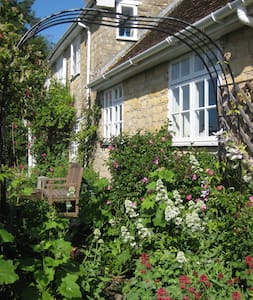 Delightful Shaftesbury Dorset - Stour Row - Bed & Breakfast