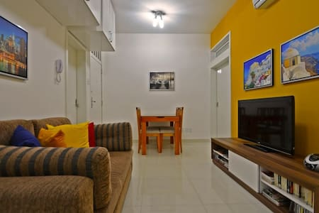 2 BR Renovated- near the Beach D032