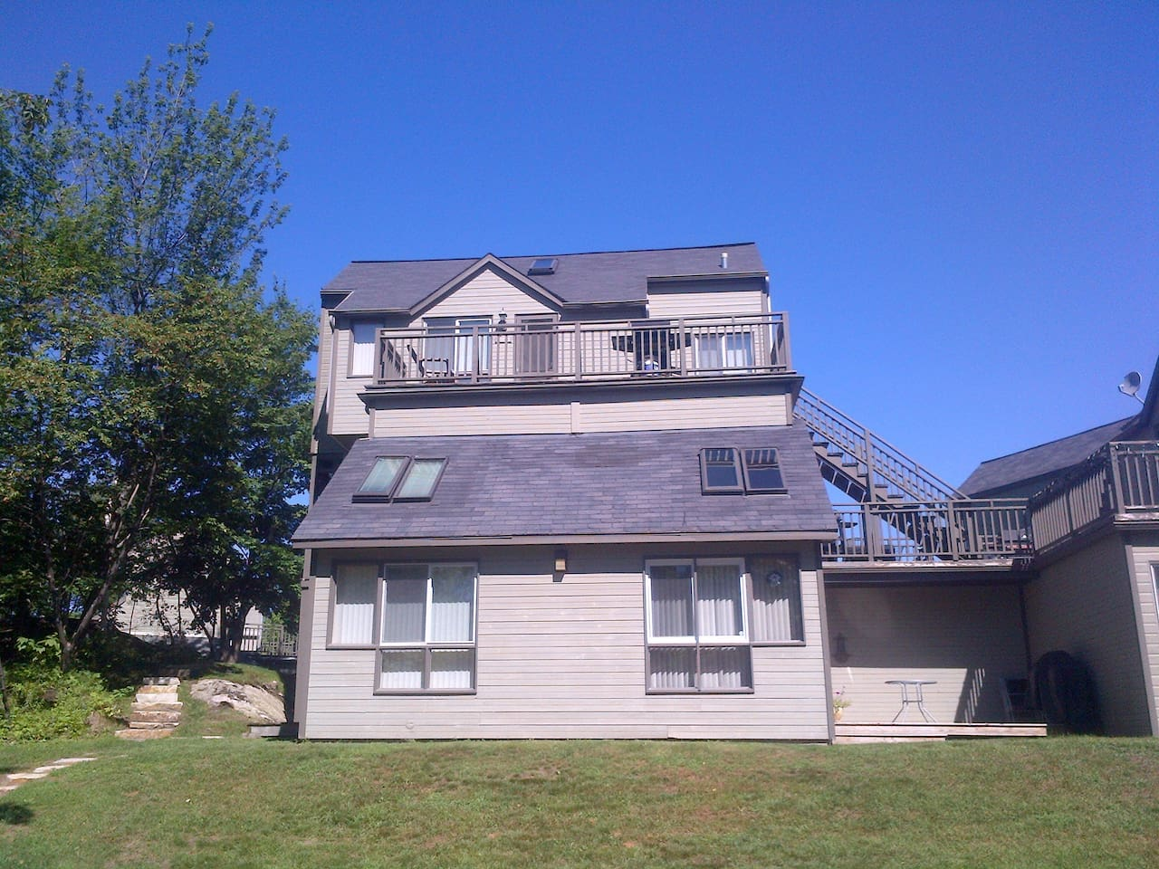 Condo is located on the top floor- great view!!