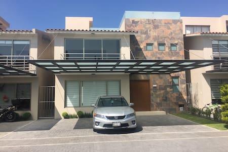 Metepec casa nueva con roof garden increíble vista - Metepec