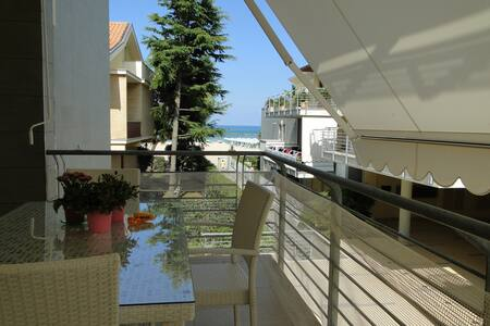 Fronte mare moderno e ben arredato - Apartment