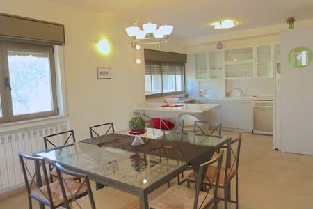 Spacious 3 bedrooms flat In Katamon
