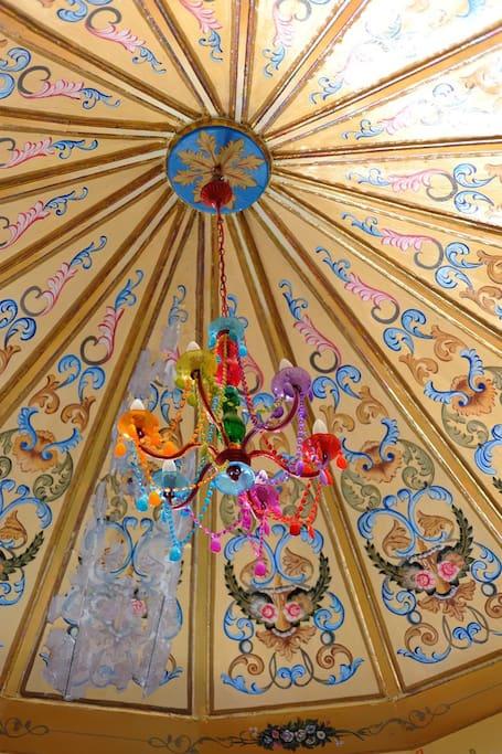 Plafond peint. Ph. by R. Chieza