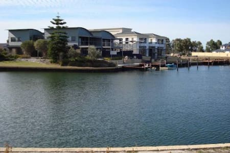 Waterfront home  Geographe Bay