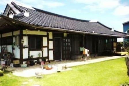 Korean traditional house 'Han-ok' - Daeya-myeon, Gunsan-si - House