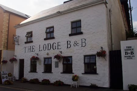 The Lodge B&B Clifden - Bed & Breakfast