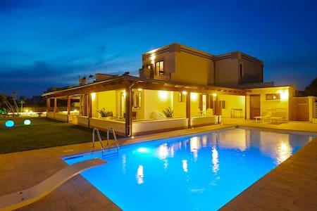 New villa with swimming pool - Terrasini
