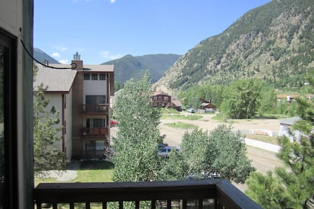New Listing! Family friendly condo (sleeps 6) - Condomínio